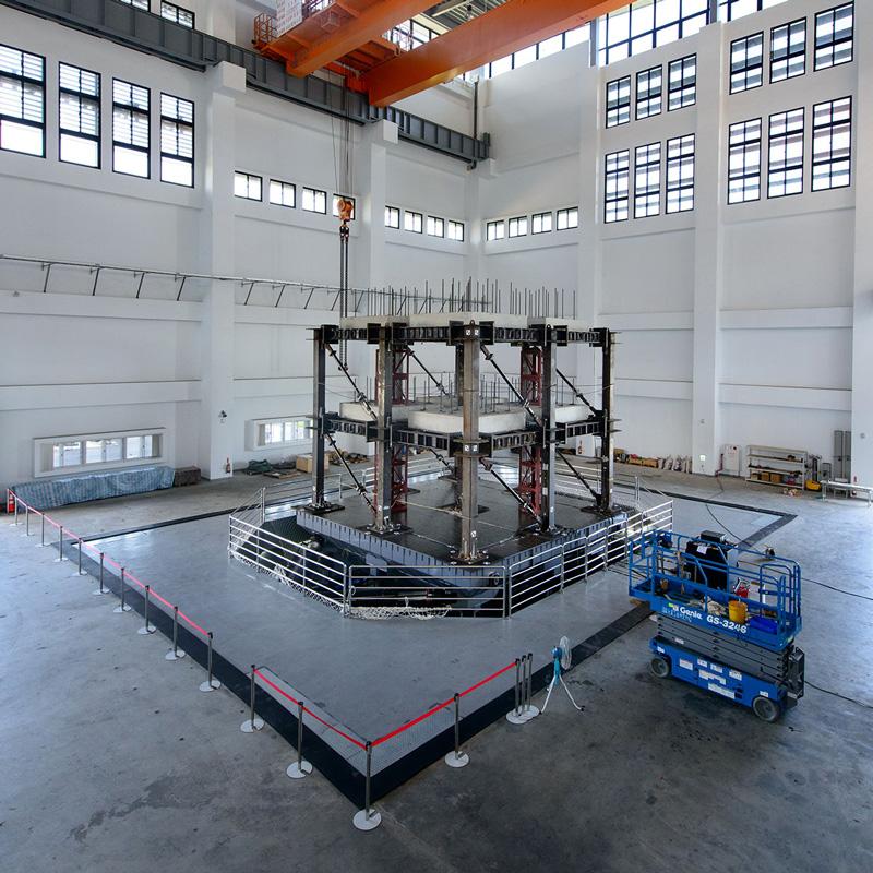 MTS_國家地震工程研究中心第二實驗室<長衝程高速度地震模擬振動台>